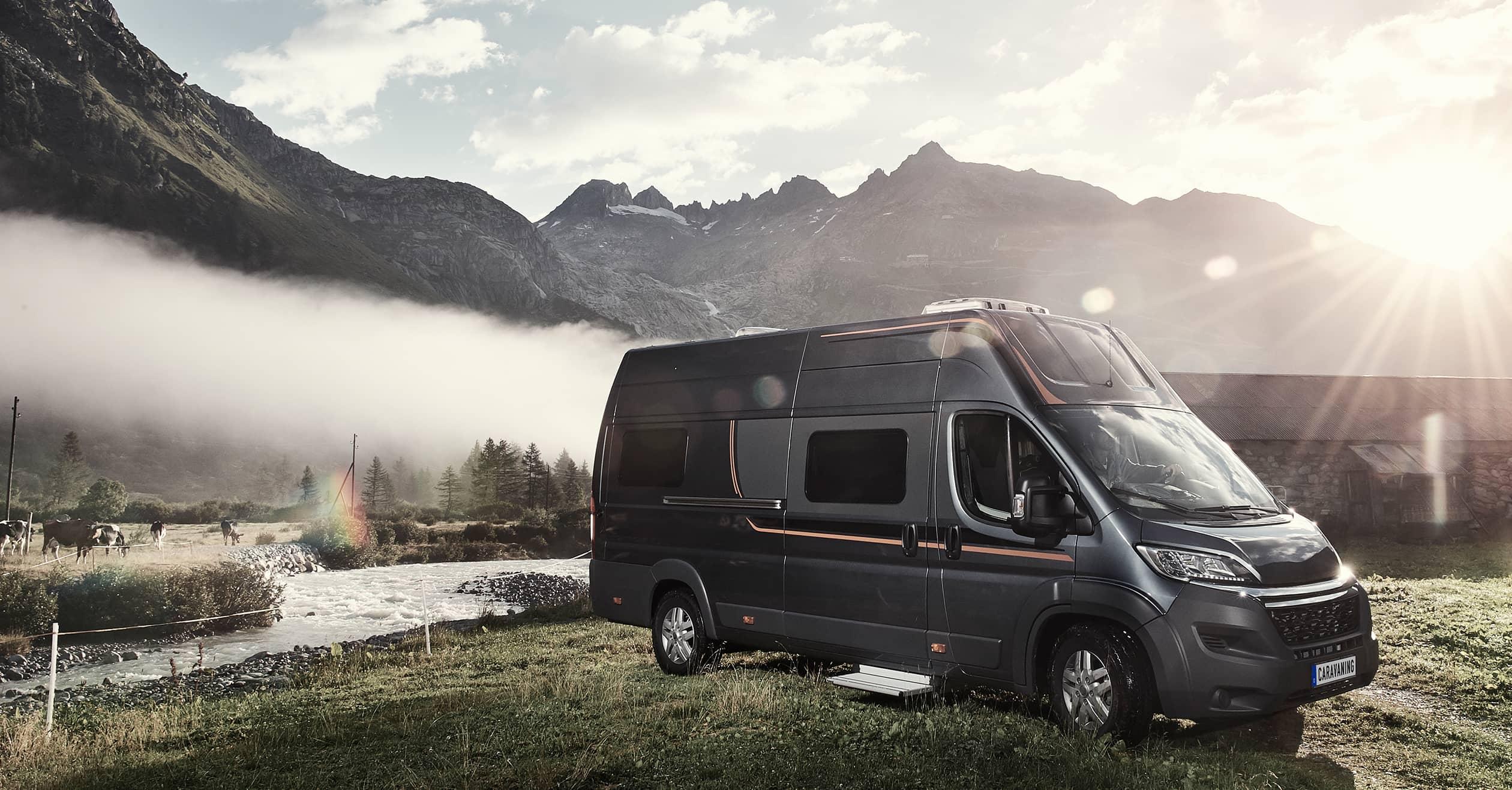 kastenwagen mit bad caravaning. Black Bedroom Furniture Sets. Home Design Ideas