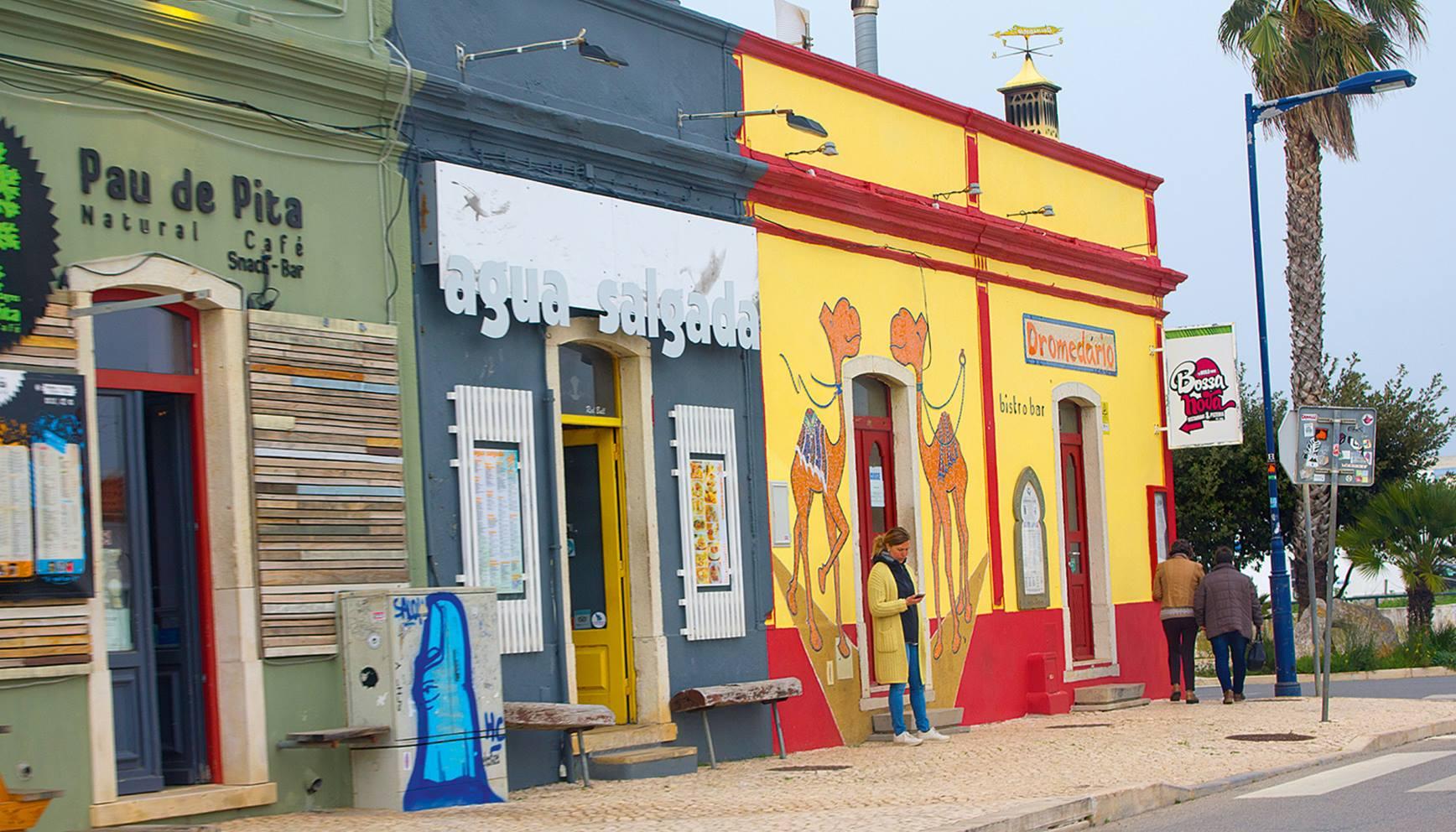Die Bar »Dromedario« im Surfer-Hotspot Sagre