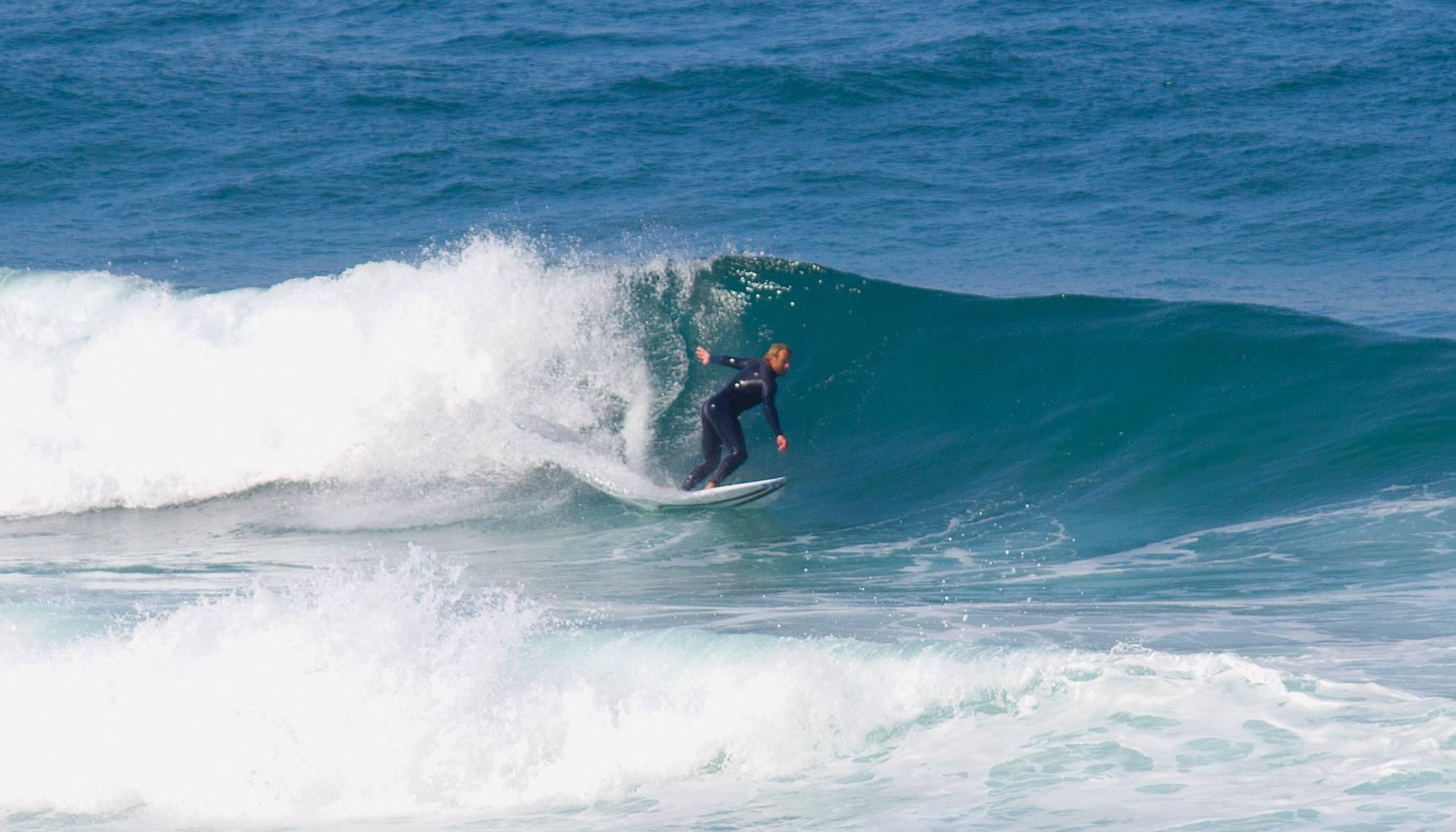 Surfer an der Westküste Portugals