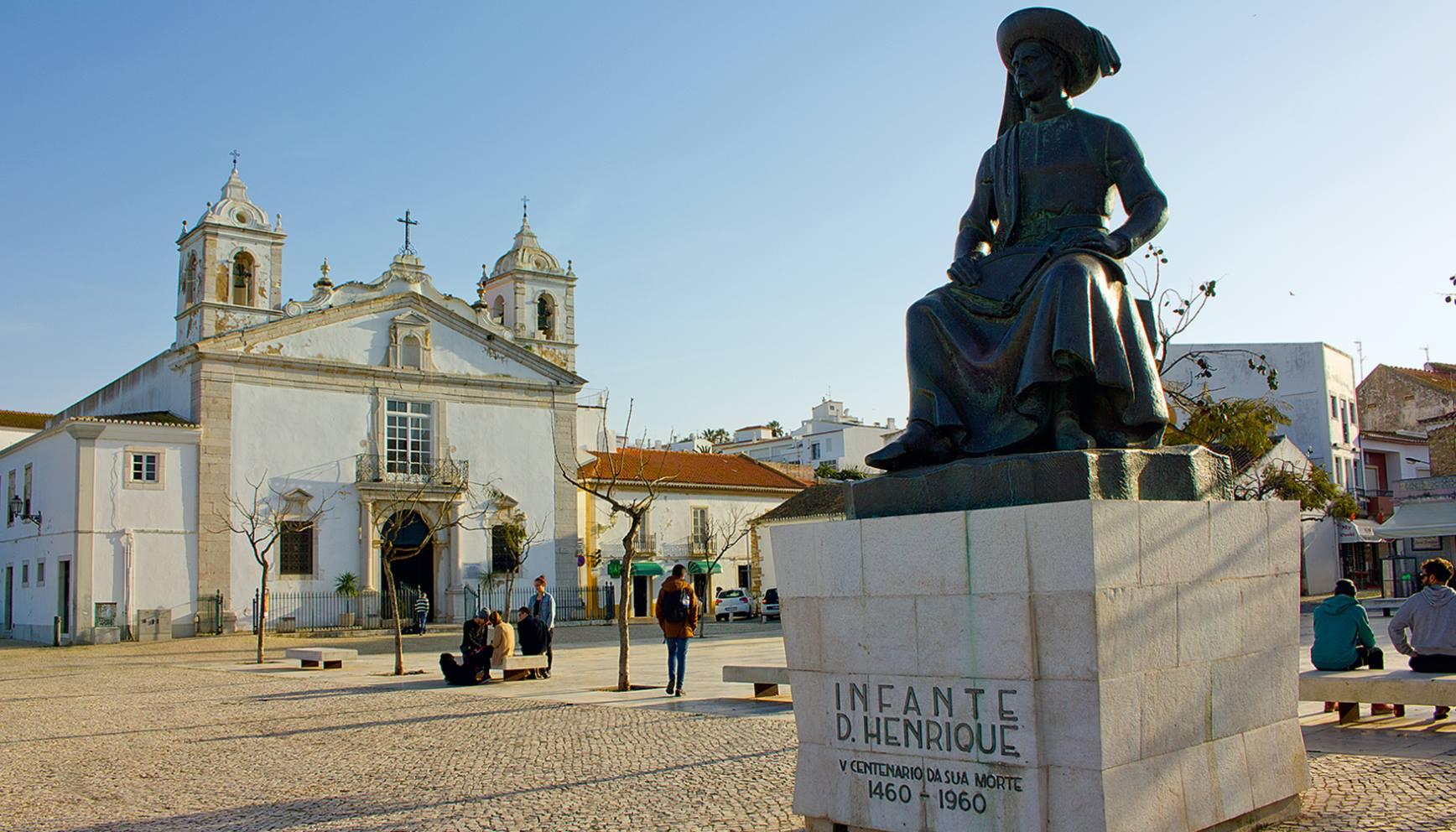 Das Denkmal von Heinrich dem Seefahrer in Lagos